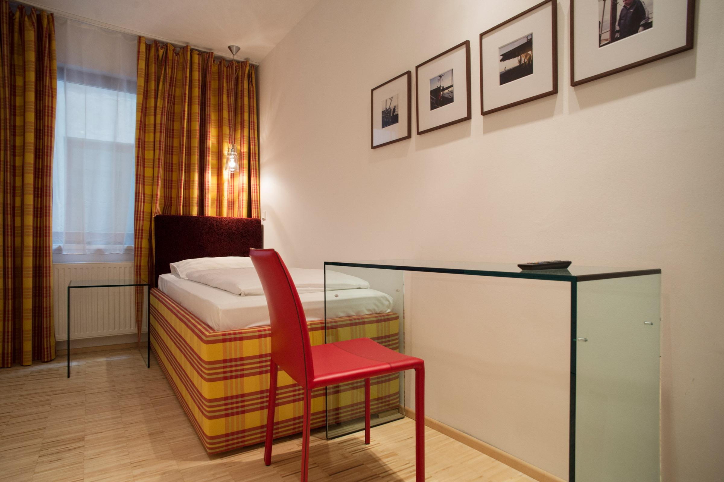20120924_Hotel Kunsthof_Zimmer_X-Small_206_2400