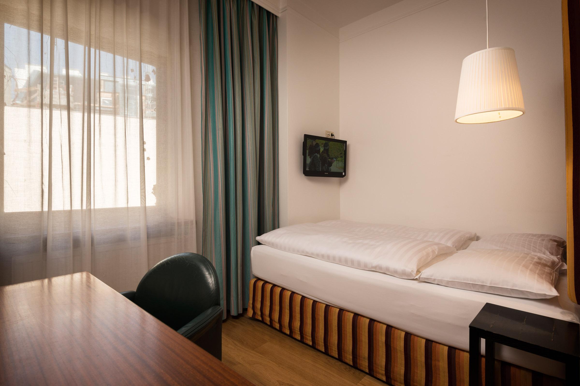 20170317_Hotel Kunsthof_Zimmer_Small_210_2400